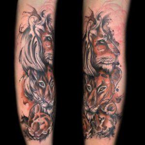 Löwen Tattoo im Sketchy Style vom surface Tattoo studio münchen