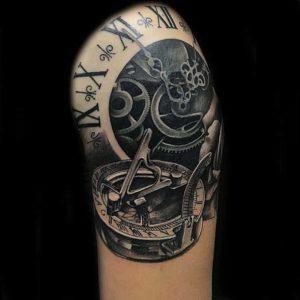 Realistic Uhr vom surface Tattoo studio münchen