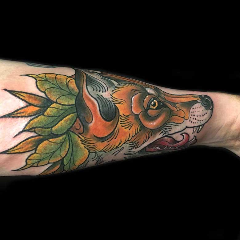 newschool fuchs tattoo münchen auf dem unterarm vom surface Tattoo studio münchen