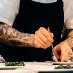 Koch im Surface Tattoo Studio München
